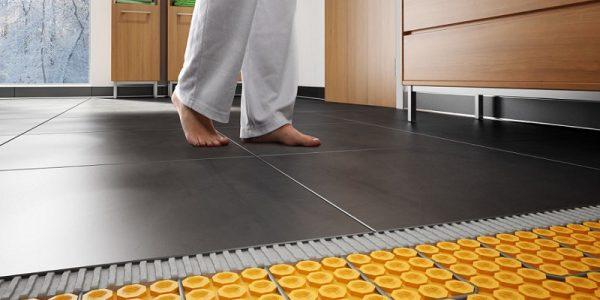 jak wykonać ogrzewanie podłogowe