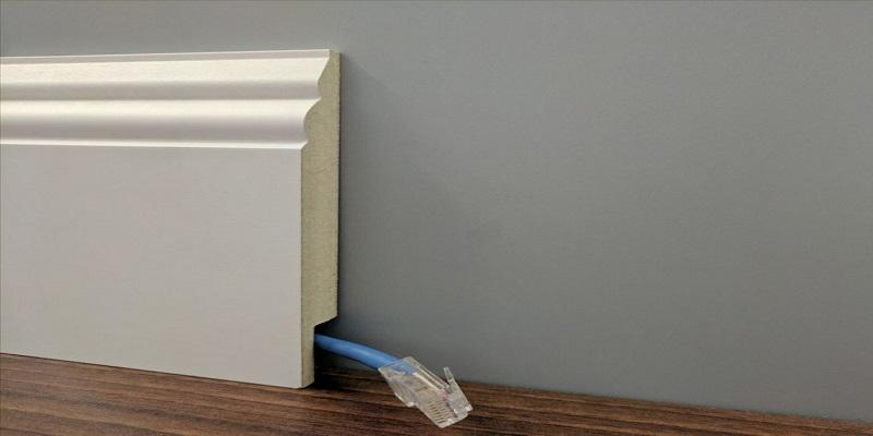 Jak schować kable w pokoju?