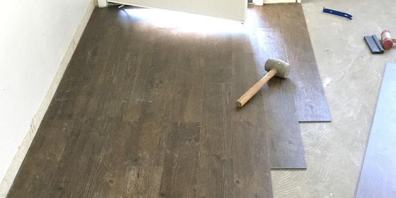 Podłoga winylowa — montaż krok po kroku